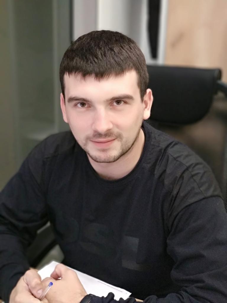Менеджер отдела продаж ТД Снабженец  Гудманян Руслан  8 969 286 84 05